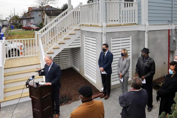 Charleston groups aim to create solutions to region's vexing economic issues